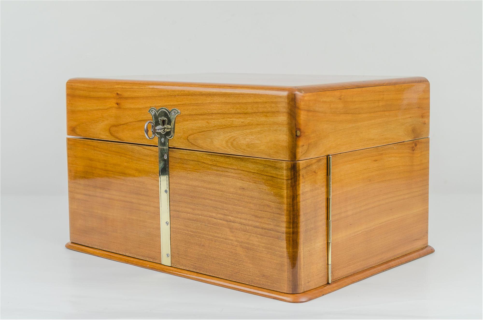 Amazing Jugendstil Game Box Circa 1905