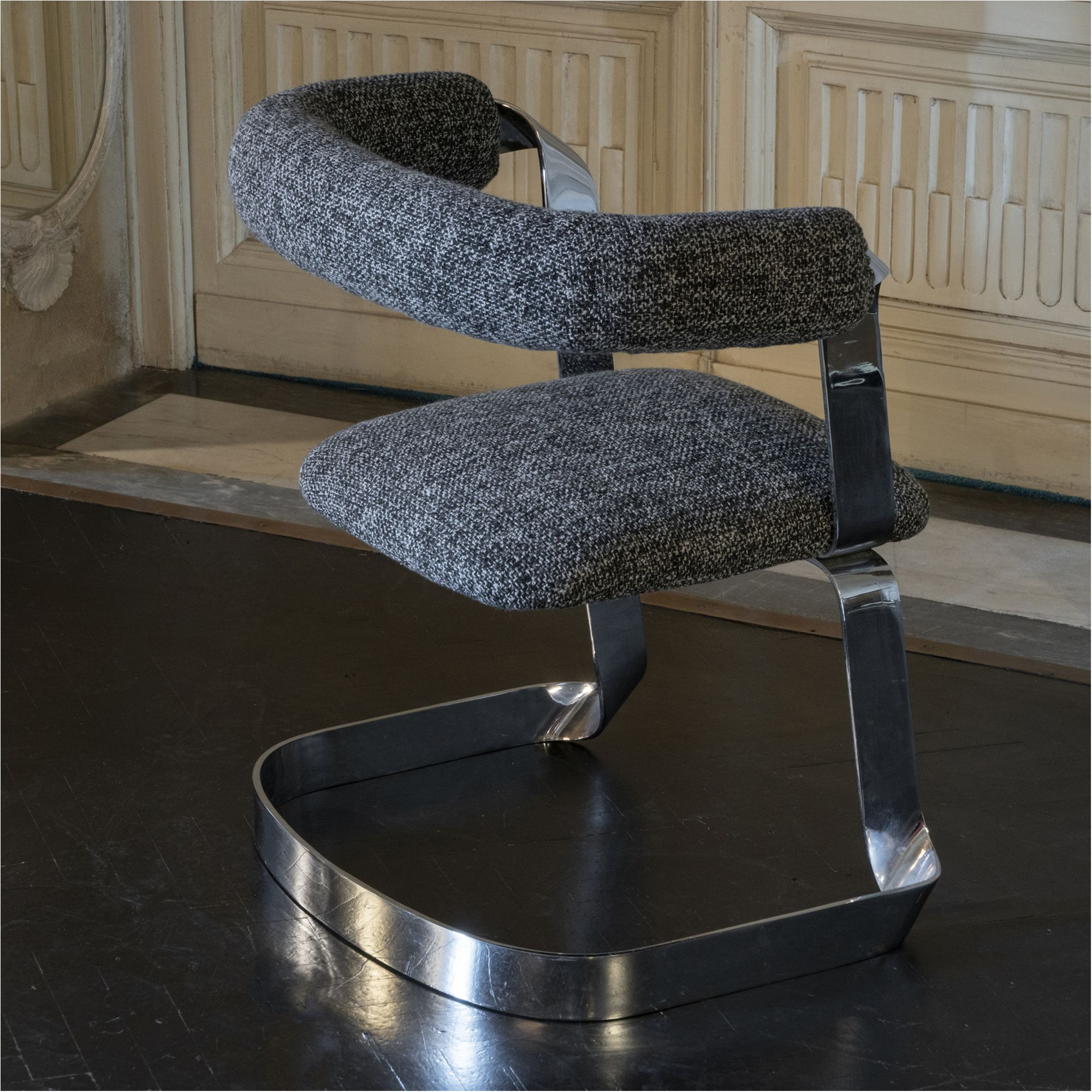 Wondrous Set Of Two Chromed Dining Chairs Black White Grey Woven Dailytribune Chair Design For Home Dailytribuneorg