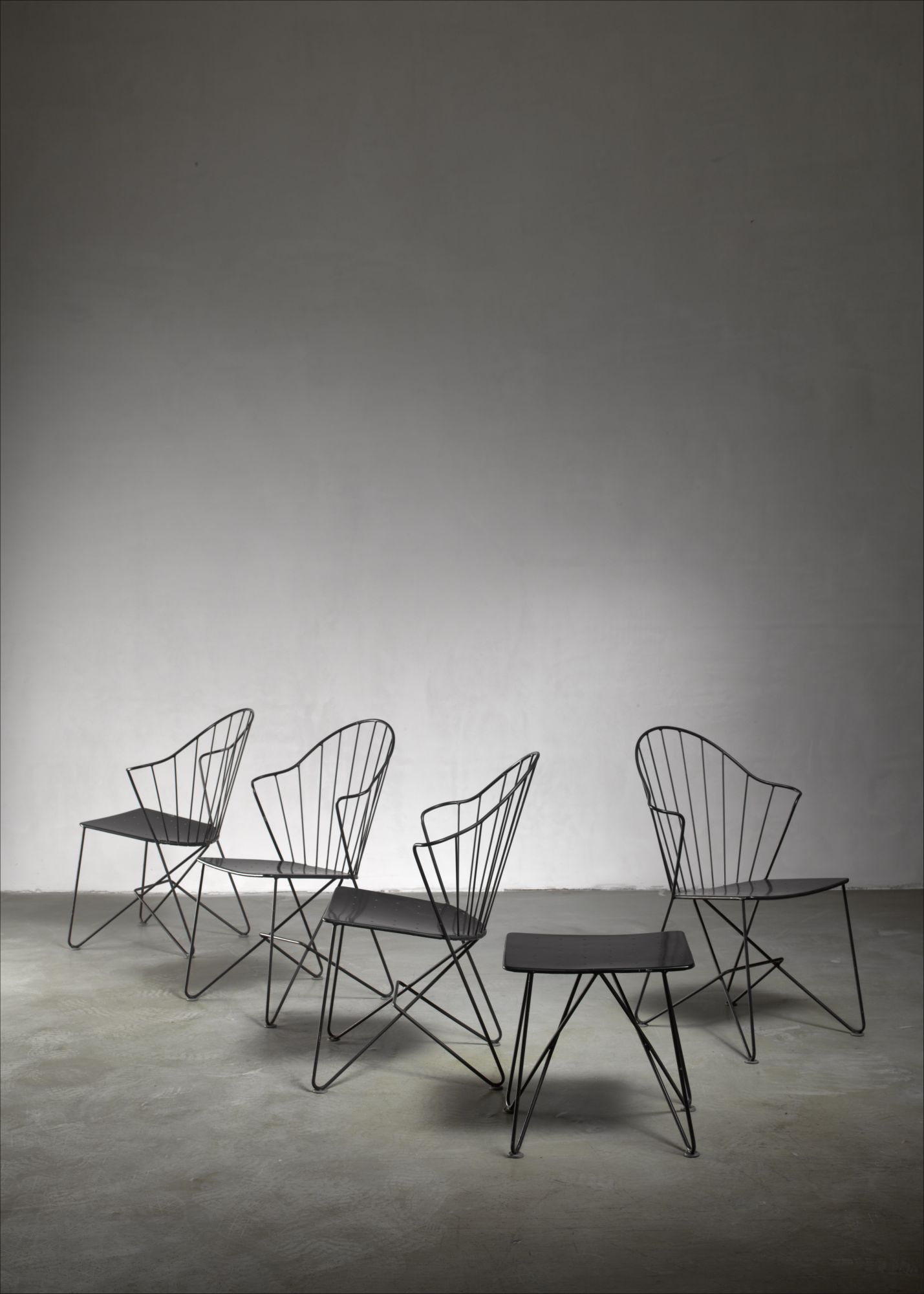 Cool Mannhardt Stahlmobel Set Of Four Chairs And A Table Germany Evergreenethics Interior Chair Design Evergreenethicsorg